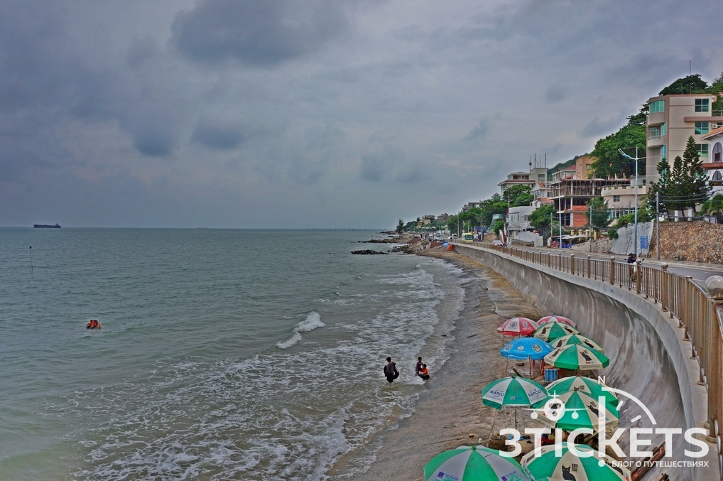 Средний (Ананасовый) пляж в Вунгтау
