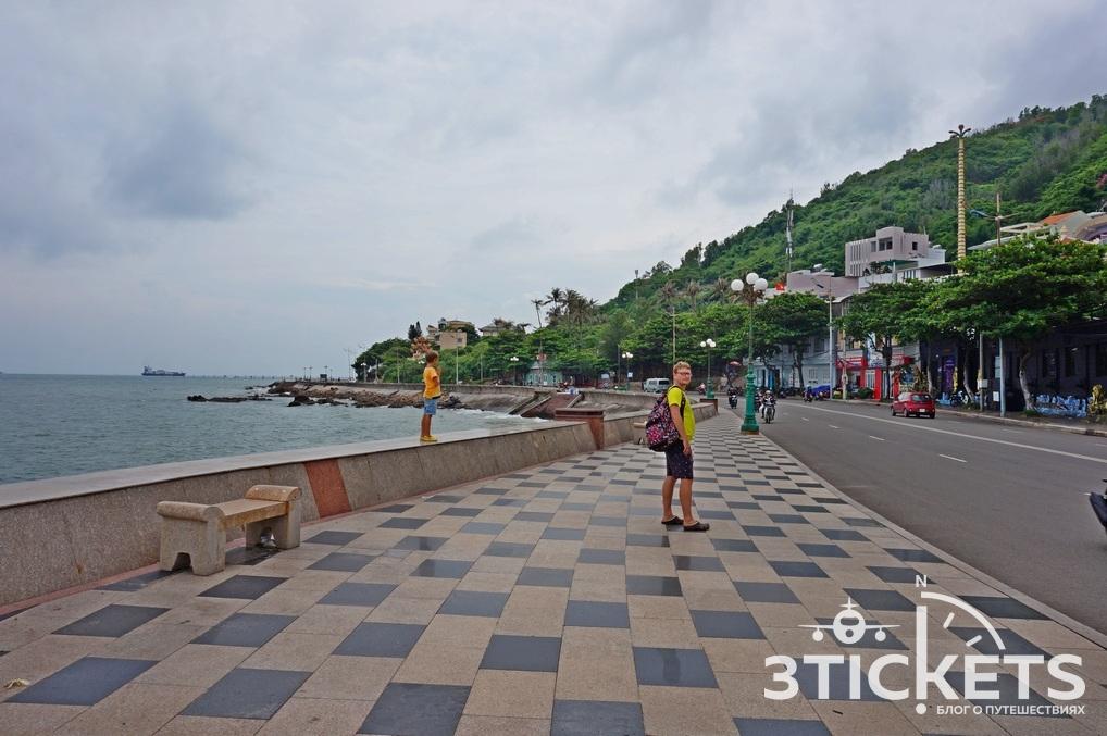 Набережная Среднего Ананасового пляжа, Вунгтау