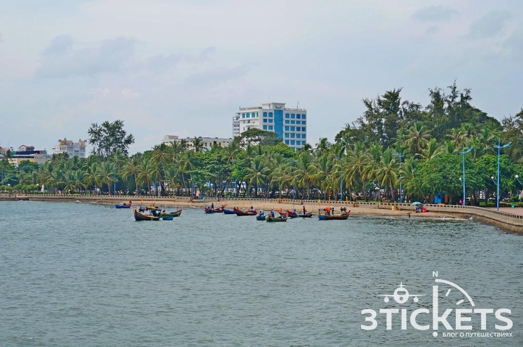 Передний пляж в Вунгтау