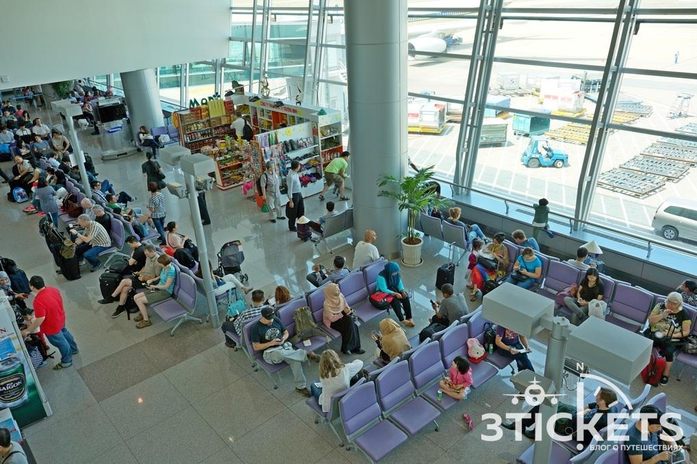 Что делать при длительном ожидании в аэропорту?