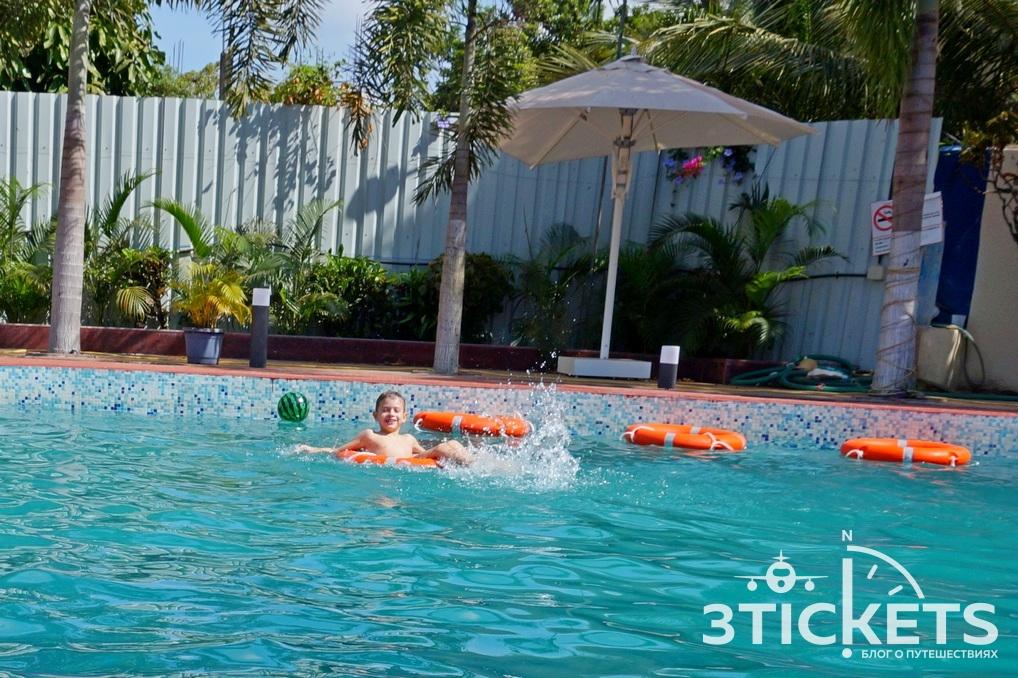 Отель Silver Sands Beach Resort 3*, Южный Гоа, Колва: бассейн