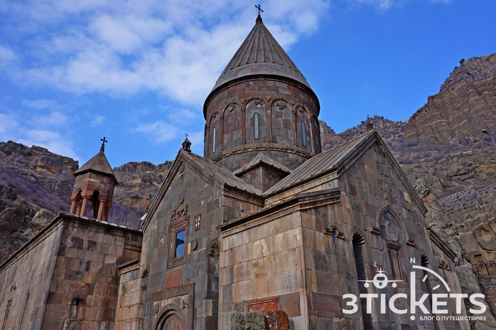 Храмы Гарни и Гегард в Армении, Ереван зимой