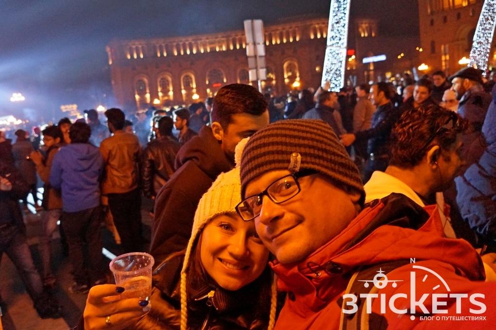 Новый год в Ереане, площадь Республики