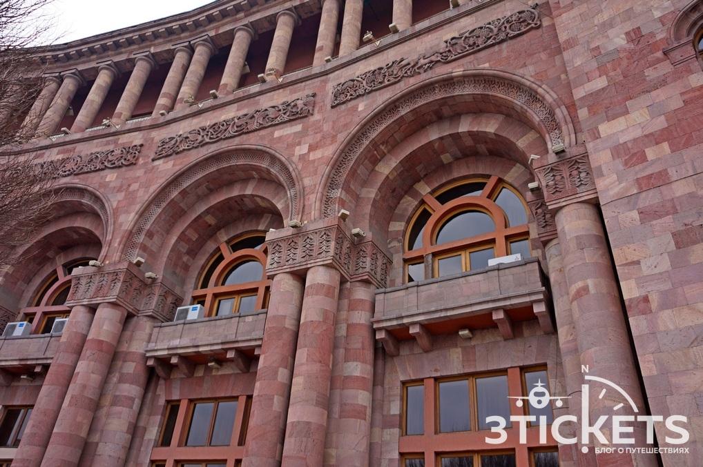 незаслуженно красивые дома фото сделана из армянского туфа бизнес области