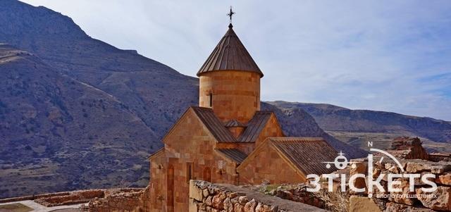 Монастырь Нораванк в Армении: неприступная крепость в красных скалах (фото, описание и отзыв)