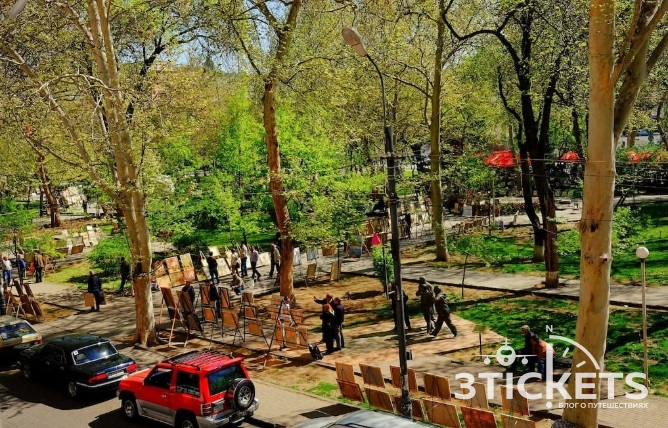 Парк Вернисаж в Ереване