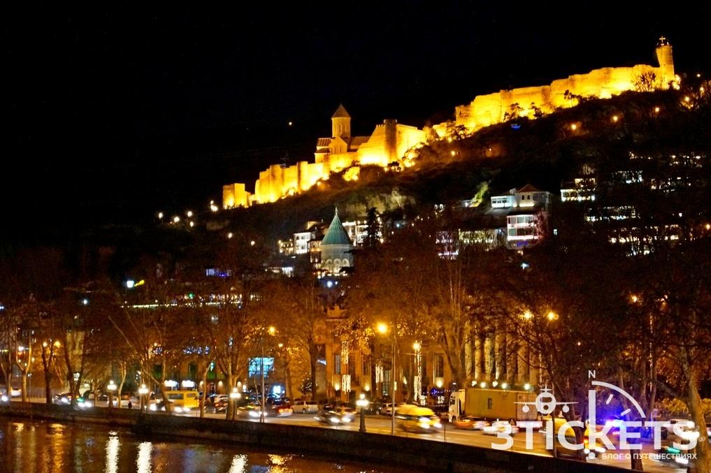 Крепость Нарикала и канатная дорога в Тбилиси