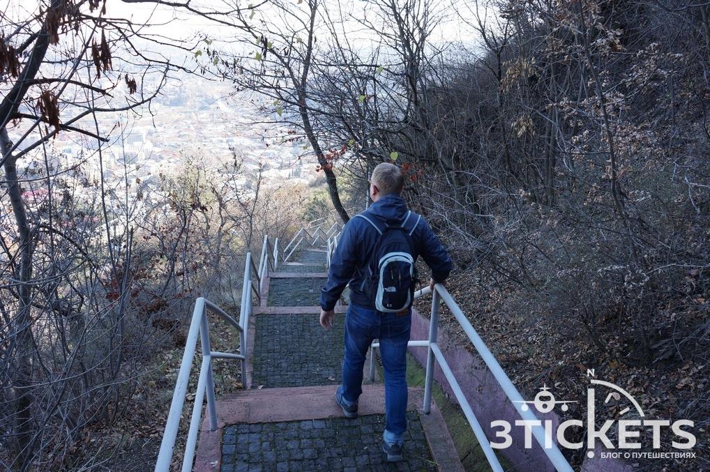 Гора Мтацминда, парк и«Пантеон»