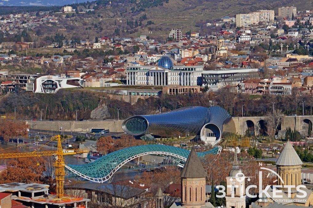 Две трубы в Тбилиси