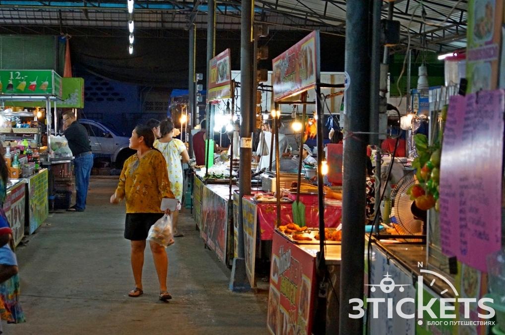 Пляж Ламаи на Самуи: ночной рынок