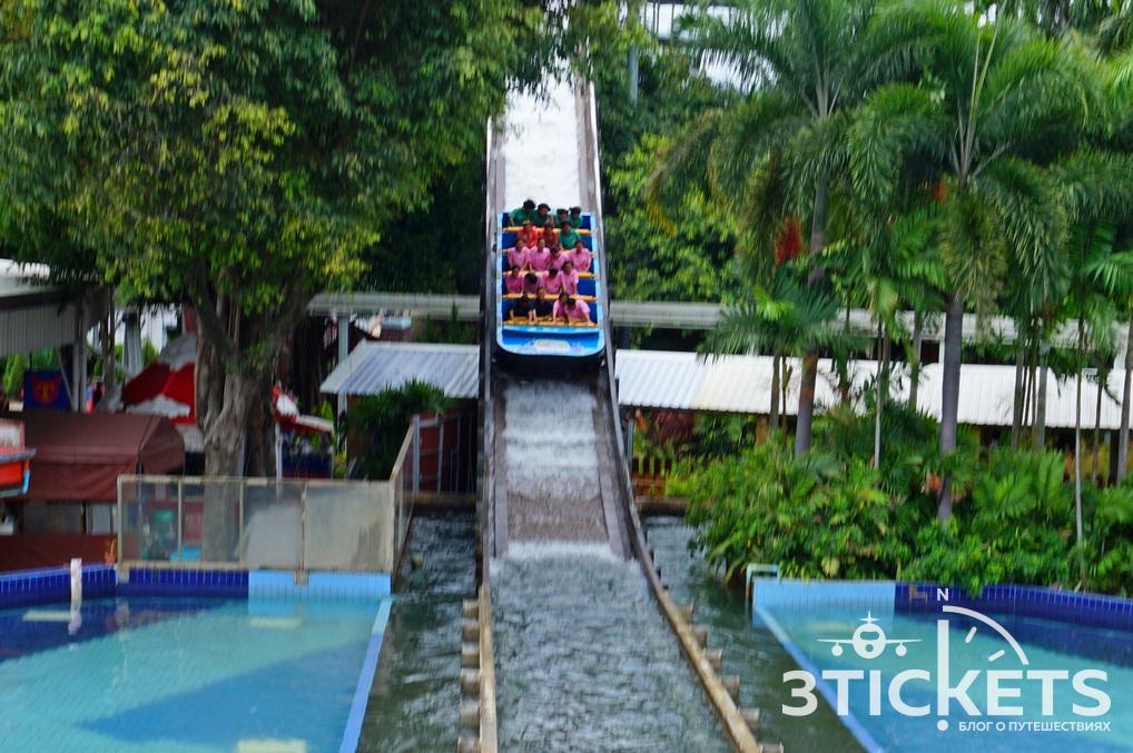 Парк «Дрим Ворлд» в Бангкоке: водные горки