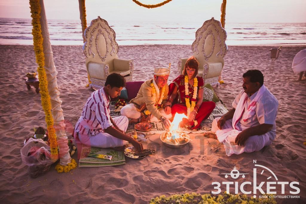 У невесты загорелось платье во время свадебной церемонии на пляже